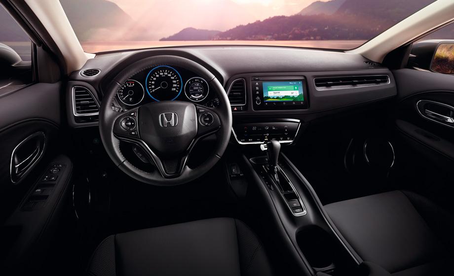 El interior mantiene la calidad característica de Honda y todo es muy ordenado.
